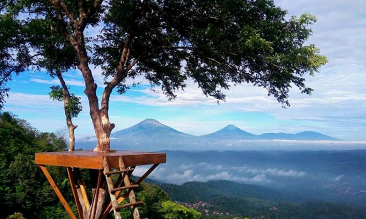 Hasil gambar untuk Wisata Semarang Gardu Pandang Lereng Kelir